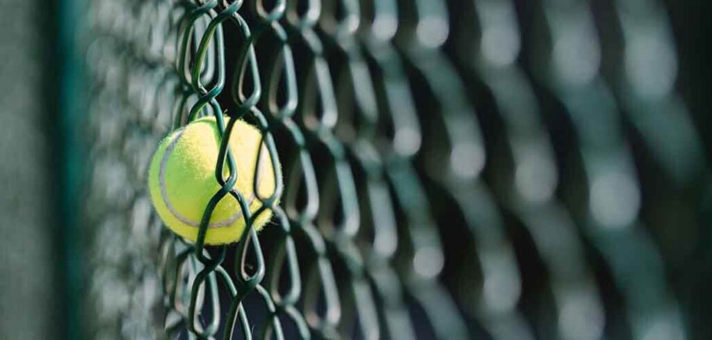 Tennis Courts in Luxurious Houses Brighter with Lightings